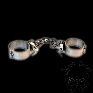 iron-ankle-manacles